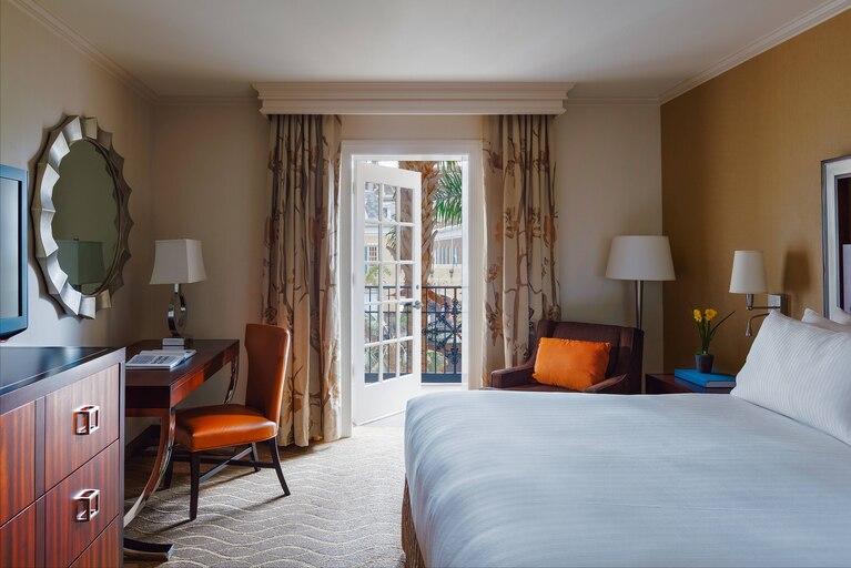 Gaylord Opryland hotel room